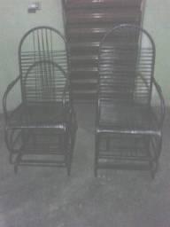 ( 2)cadeiras de balanço de macarrão usada