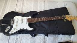 Guitarra gianinni semi-nova