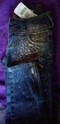 Vendo calça de estreche número 34 original da colcci nunca usada com etiqueta