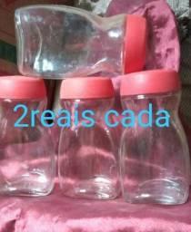 Vendo potes e garrafas de vidros vazias
