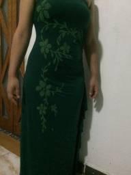 Vestido longo tomara que cai; echarpe grande e chique; usados 1 vez