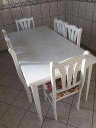 Mesa 6 Cadeiras na cor branca