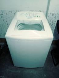 Conserto de máquinas de lavar roupas.