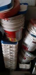 Tenho muito  balde usado vendo