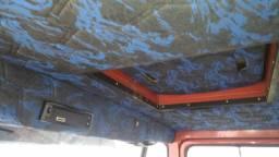 Caminhão 608  baú  lindo