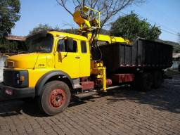 MB 1516 com garra sucateira madal