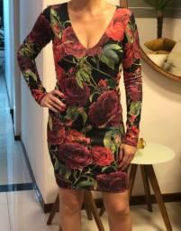 Vestido curto floral festa