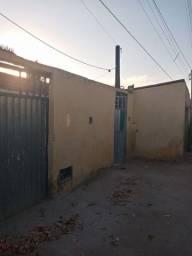 Vendo uma casa próximo ao Assaí Atacadista ou troco terreno