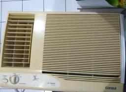 Ar-condicionado 30mil BTUS de janela