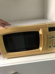 Vendo microondas Dako para uso de peças PARTE ELÉTRICA OK