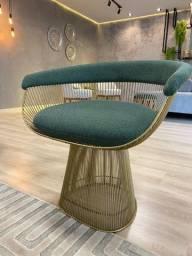 Sofá, cadeiras, poltronas, cabeceiras, mesas e muito mais
