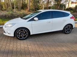 Focus Titanium Plus hatch 2015