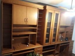 Móvel de madeira (armário, estante, bancada)