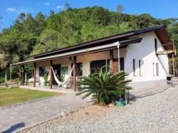 Casa com piscina, 3 dormitórios, 160 m², na Rodovia Jorge Lacerda em Itajaí/SC