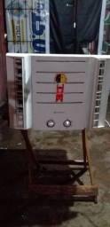 Vendo esse ar-condicionado gelando super bem 220v10mil btus