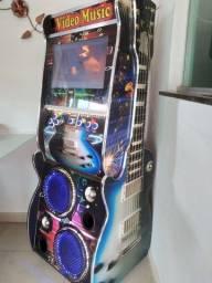 Maquina  de musica seme nova