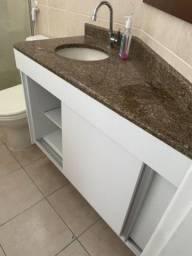 Armário de banheiro em MDF branco