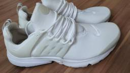 Tênis Nike Air Presto Branco