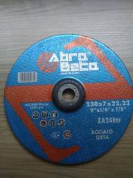 3 discos de debaste (zircônia) para aço nas medidas 230 x 7 x 22,23 mm.
