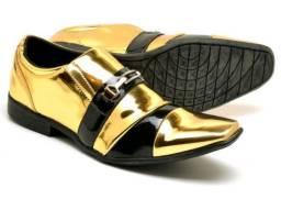 Sapato social dourado Novo