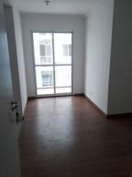 Alugo apartamento no condomínio Copacabana