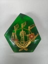 Peso antigo com barco a vela e símbolo Português