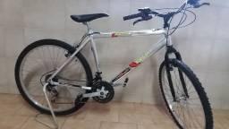 Bicicleta - 02 Mountain Bike Caloi pelo preço de uma