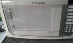 Forno microndas Eletrolux