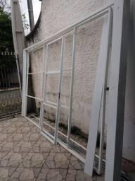 Portão basculante Barbada