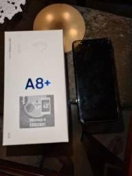 Celular Samsung A8 64 de memória 8 Gb RAM (quebrado parte interior intacta)