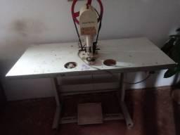Máquina de pregar botões e ribites elétrica