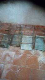 Quatro gaiolas de ferro para belgas