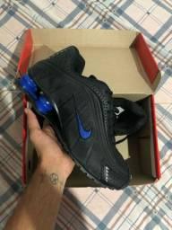 Tênis Nike shox R4 TAM 42
