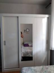 Guarda roupa branco de 3 portas