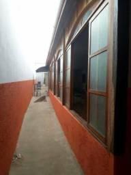 Prédio comercial, bar ,salão grande,3 banheiros, 2 depósitos(dispensa)