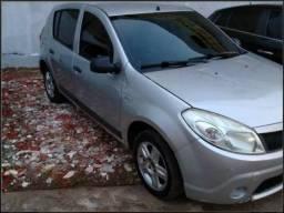 Renault Sandero completo em perfeito estado - 2010
