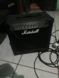 Guitarra rock condor, cubo Marshall MG15CF
