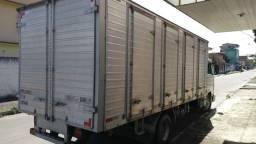 Caminhão 8.150 - 2001