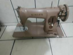 Maquina costura relíquia