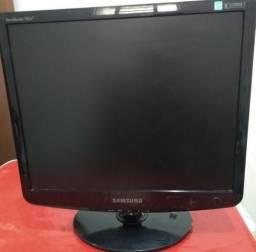 Monitor Samsumg 15 polegadas - acompanha cabos