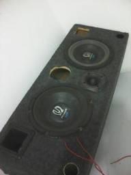 Caixa com dois Pioneer Impp