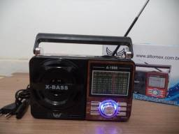Rádio Portátil Retro Am Fm Usb Cartão De Memoria