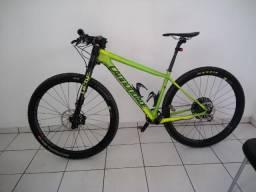 Bicicleta MTB 29 Carbono Cannondale Left