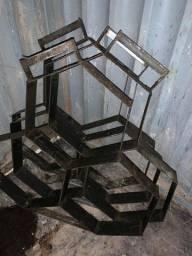Formas de meio- fio e sextavados de ferro para construção civil ou Residencial - Venda