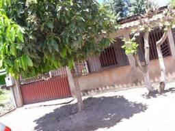 Vendo ou negócio uma casa no município de monte alegre