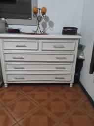 Cômoda branca, 2 gavetas pequenas e 3 grandes