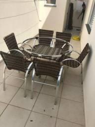 Conjunto mesa redonda + 06 cadeiras em vime sintético