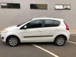 Vendo Fiat Palio Attracrive. 2013. 1.0. Carro Particular. Em perfeitas condições.