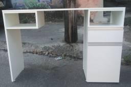 Mesa para unha de gel com porta e gaveta