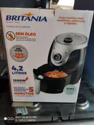 Fritadeira Air Fry 4.2 litros Britânia nova no Pregão 2 Irmãos Promoção
